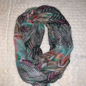 Accessories - Printed infinity scarf
